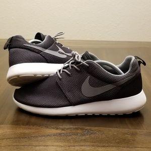 Nike Roshe Run Size 10 Black Grey White